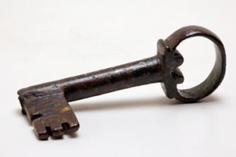 Une clef, fouille des jardins du Luxembourg, 1963