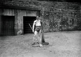 Gladiateur, Photographie, 1925