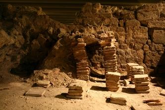Pilettes du tepidarium des thermes, crypte archéologique du parvis Notre-Dame